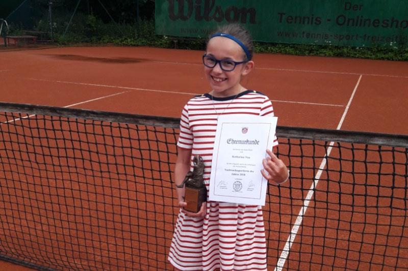 Katharina Nau erhält Ehrung als Nachwuchssportlerin des Jahres